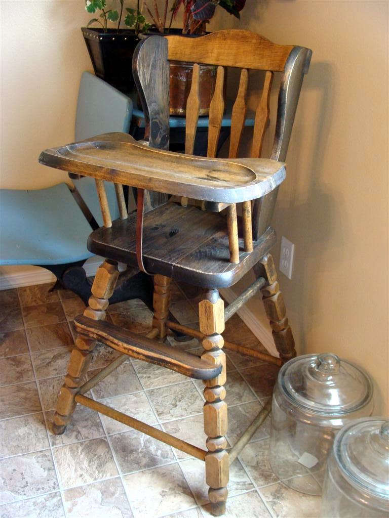 dda9f6be1588f diddle dumpling  Vintage high chair   Favorite yard sale find!