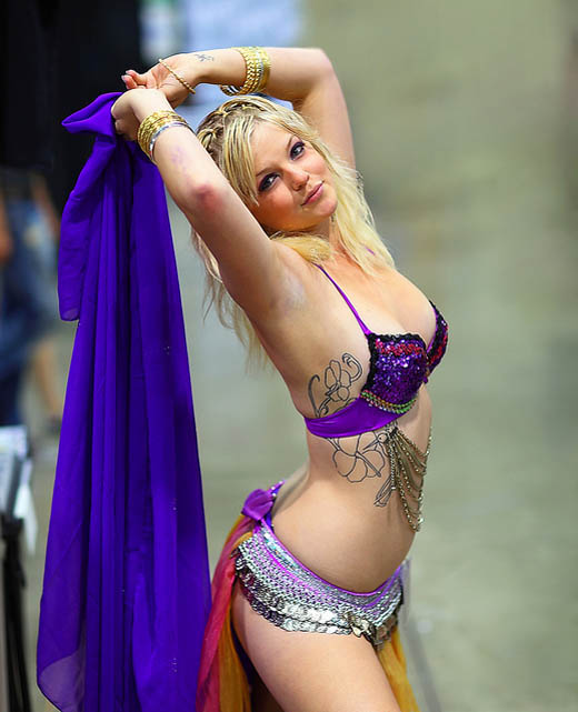 Arab Belly Dancers Celebrities HD Photo gallery #Arab #BellyDancer