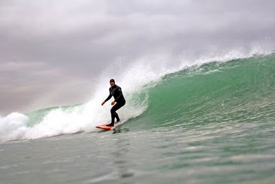Dave Barnwell surfing left