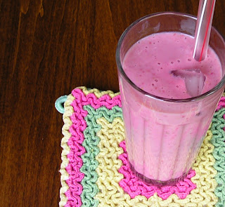 Strawberry-Banana Smoothie with Soymilk
