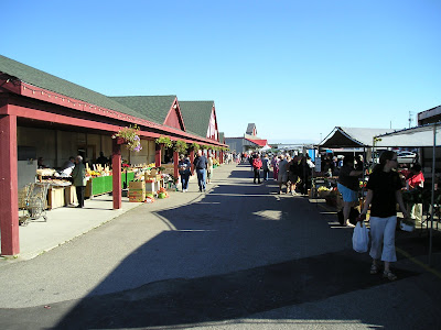 Outdoor stands at Waterloo Farmers Market (St. Jacobs)