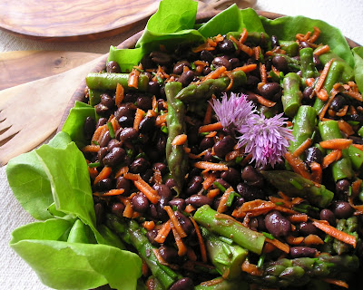 Black Bean and Asparagus Salad