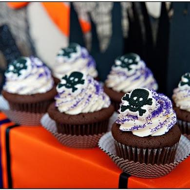 Halloween Chic Purple & Black Party Ideas