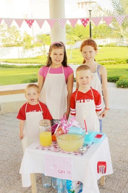 A Pinkalicious Lemonade Party - BirdsParty.com