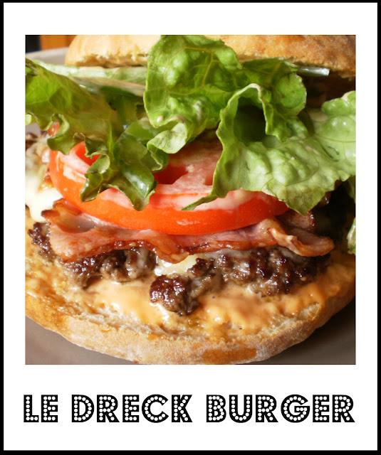Dreck burger - Recette de l'hamburger avec son pain maison et garnit d'un steak haché, de poitrine fumé et de fromage
