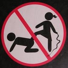 Os sinais de proibição mais bizarros 14