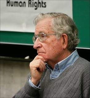 Noam Chomsky compares right-wing media to Nazi Germany in San Francisco visit
