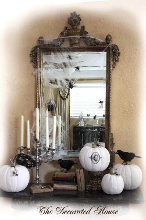 The Decorated House : Halloween Decorating Black and White