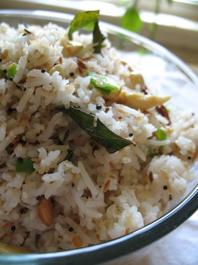 Coconut Rice with Cashews and Spices