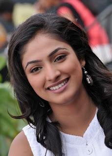 Telugu Movies: 'Hari Priya' Cute Photo Shoot