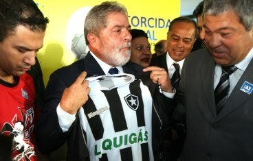 LIGAÇÃO DIRETA  Lula com a camisa do Botafogo 7f468b42b4214
