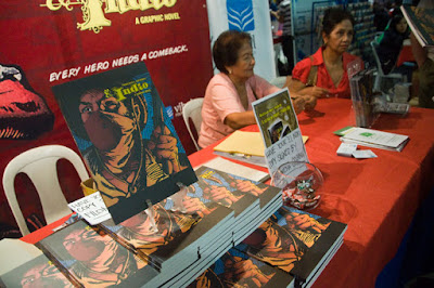 El Indio at Vibal, Komikon 2009.