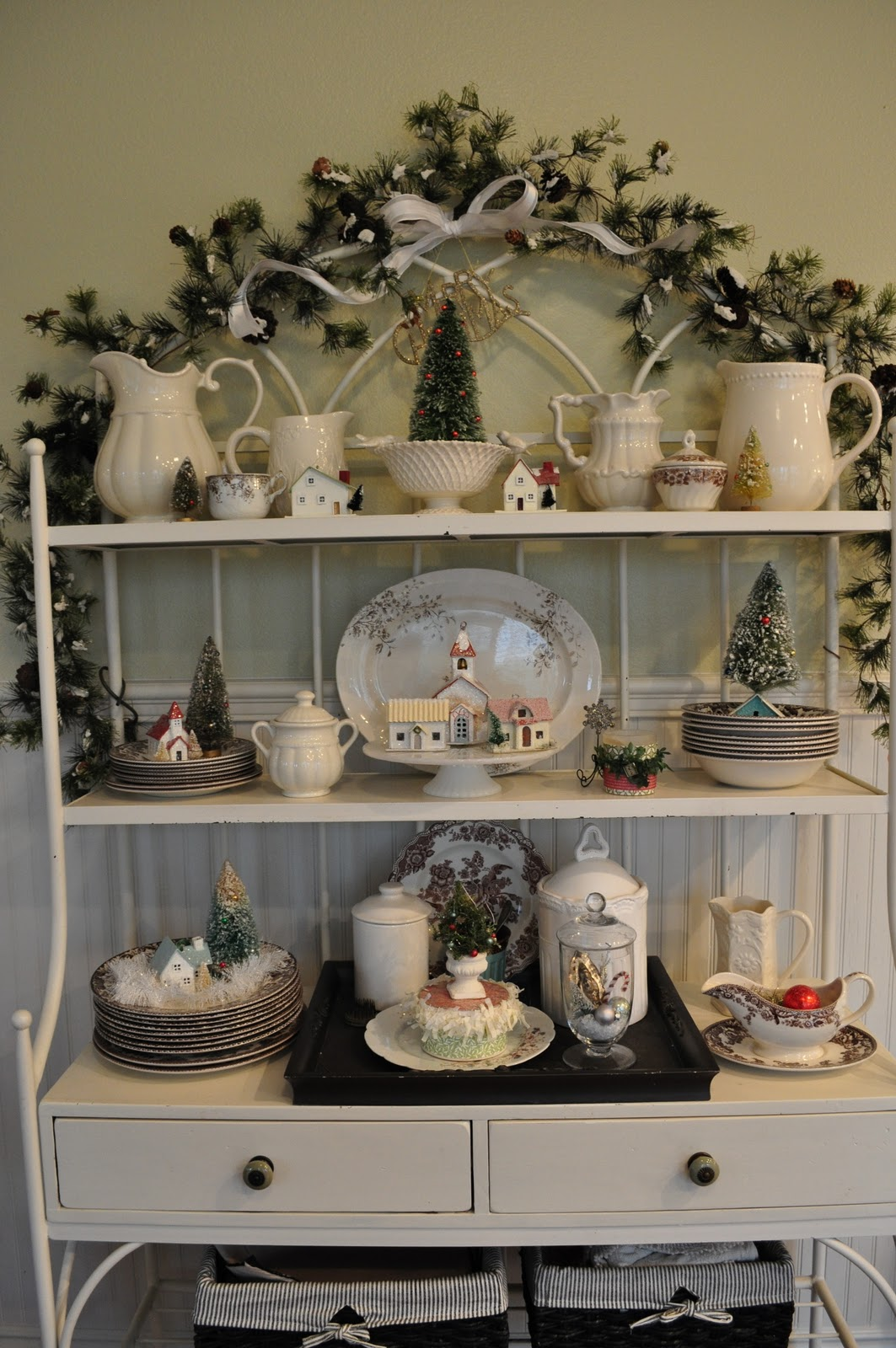 Ideas For Decorating A Small Living Room: Bakers Rack, Wrought Iron And