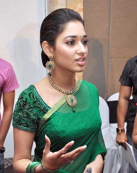 tamannah looking in green saree latest photos