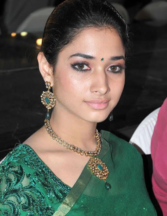 tamannah looking in green saree