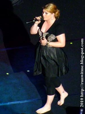 Alanis morisette before concert 2 - 2 4