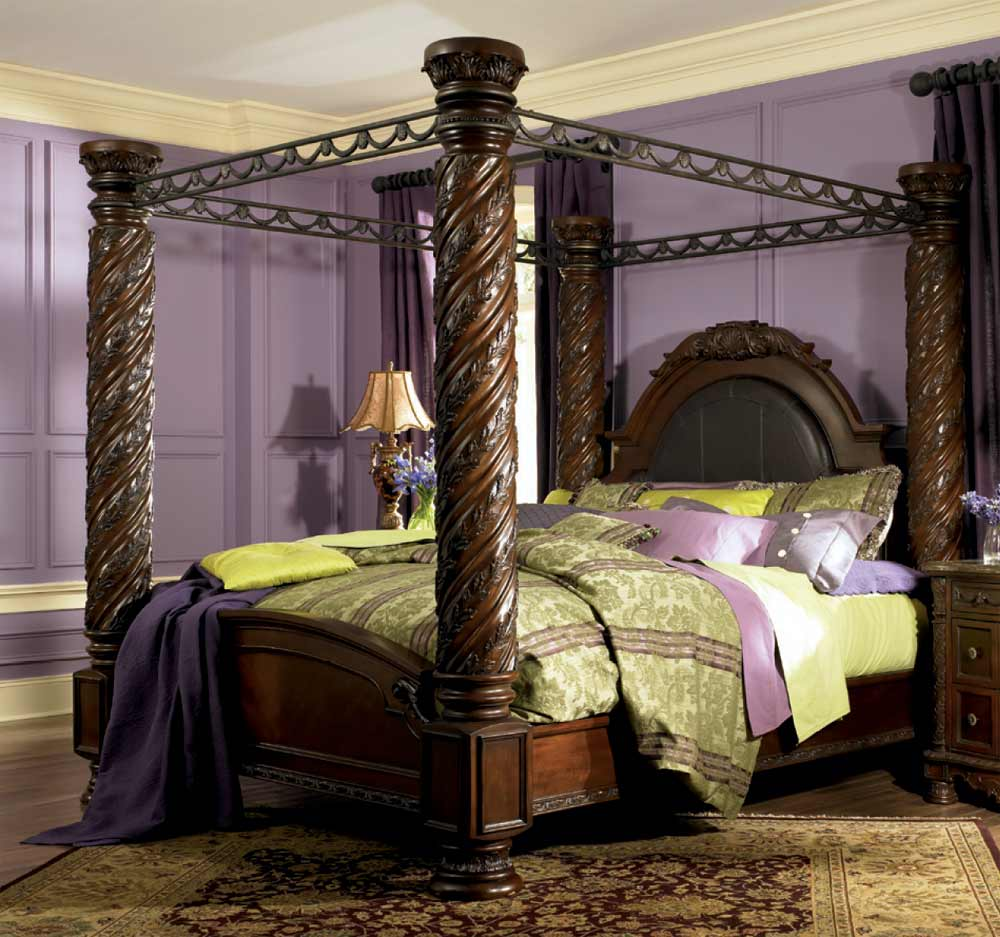 How To Use A Four Poster Bed Canopy To Good Effect: Interior Design: Home Furniture