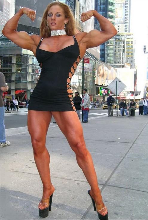 Muscular Womens Dressed Lindsay Mulinazzi-3547