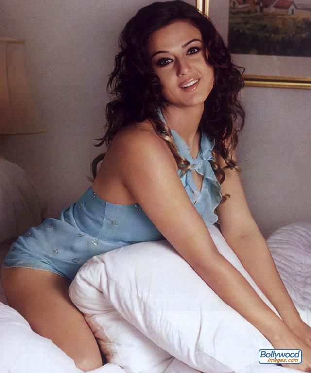 Sexy Babes Preity Zinta Hot Photos-7277