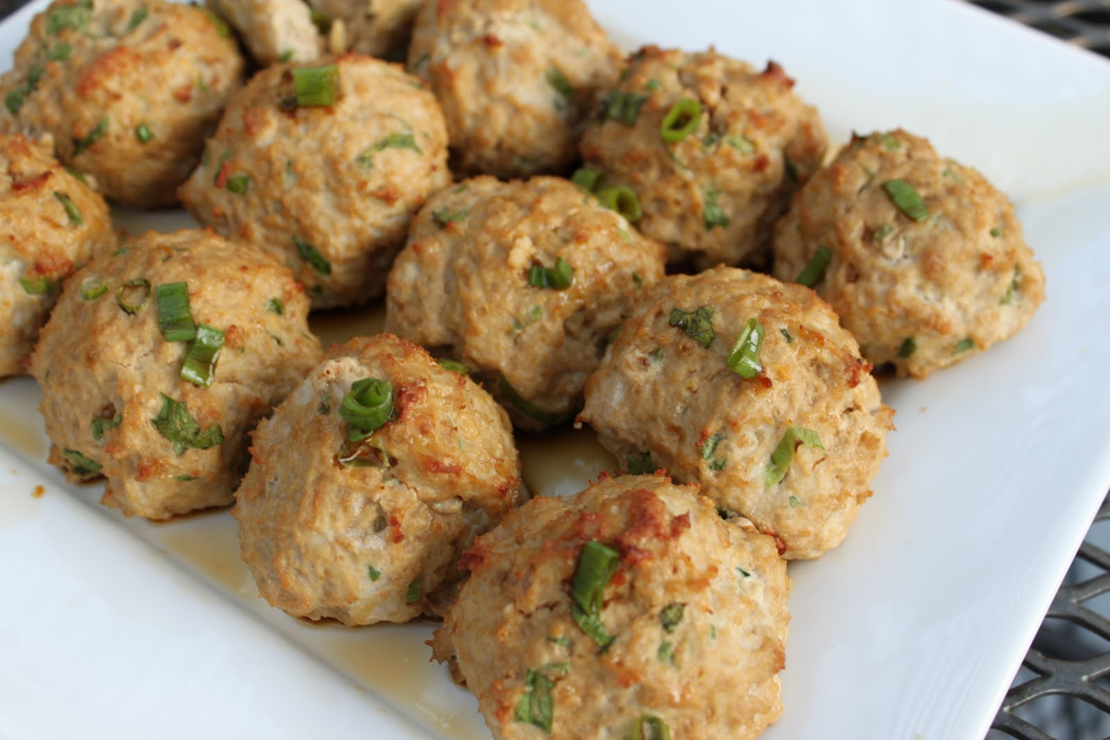 Erin's Eatery: Asian Turkey Meatballs With Lime Sesame Dipping Sauce