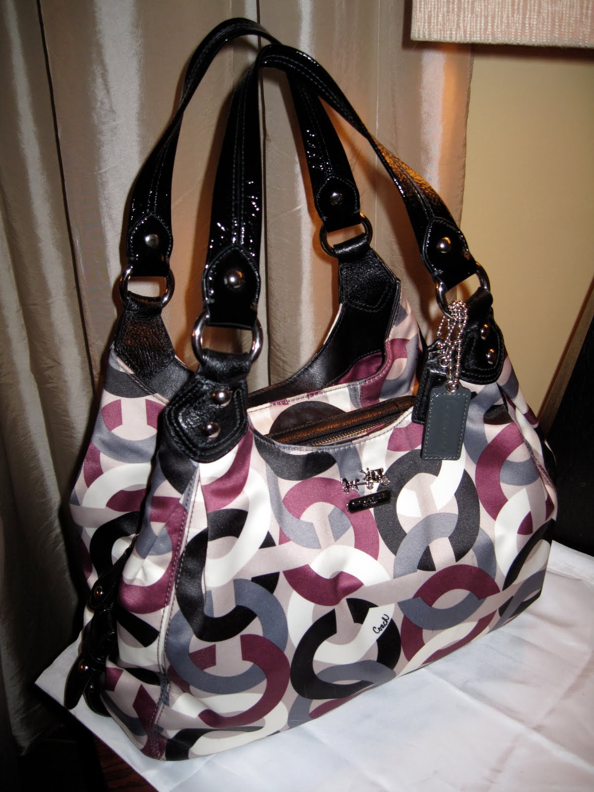 e385d3e4bfd0 My Coach Bag Collection  Coach Chainlink Maggie.