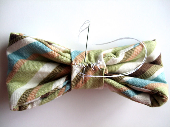 Bow Tie Tutorial {a lemon squeezy home}