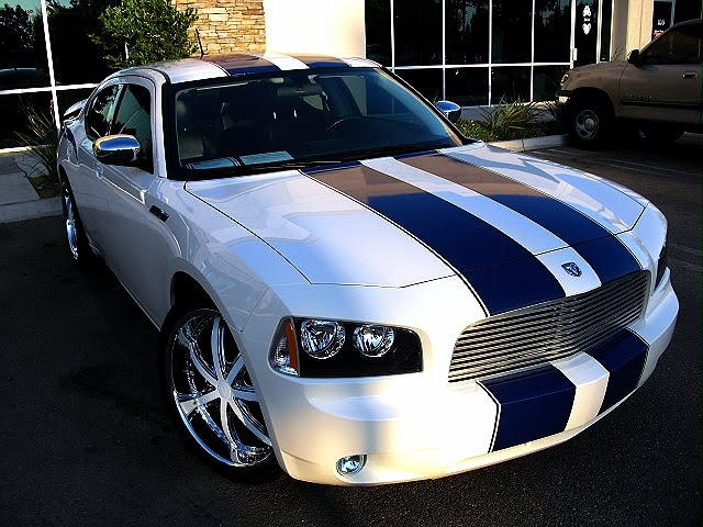Hot Cars Modified Car Charger White Blue Racing Stripes Walp