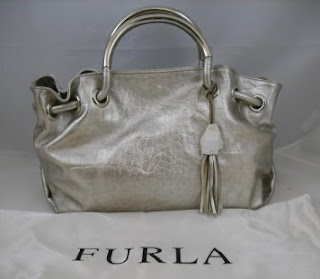 Have You Seen This Furla Bag It S A Carmen In Moon Color When I Saw For The First Time Few Things Came To Mind 1