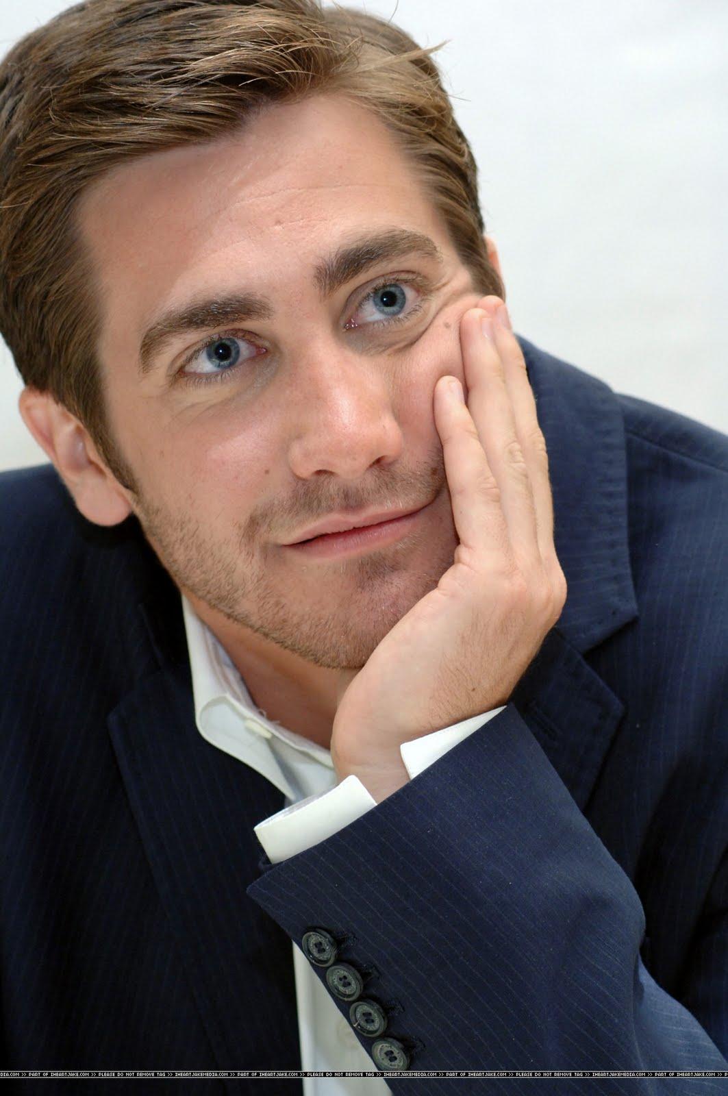 Jake Gyllenhaal - Hottest Actors Wallpaper (2966163) - Fanpop |Old Jake Gyllenhaal
