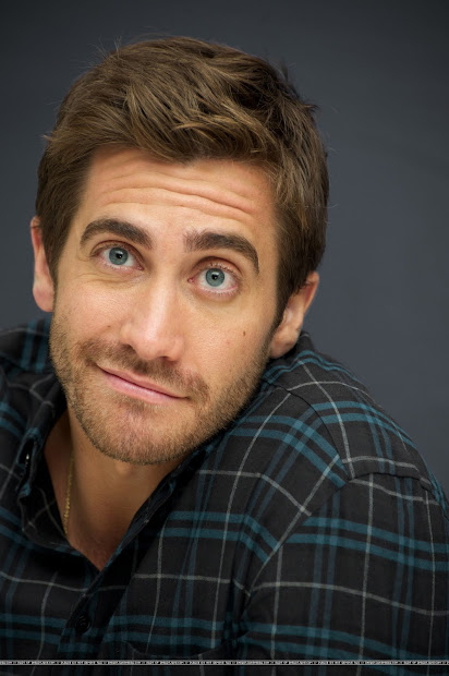 Weirdland Jake Gyllenhaal In . 'love & Drugs' Press Conference