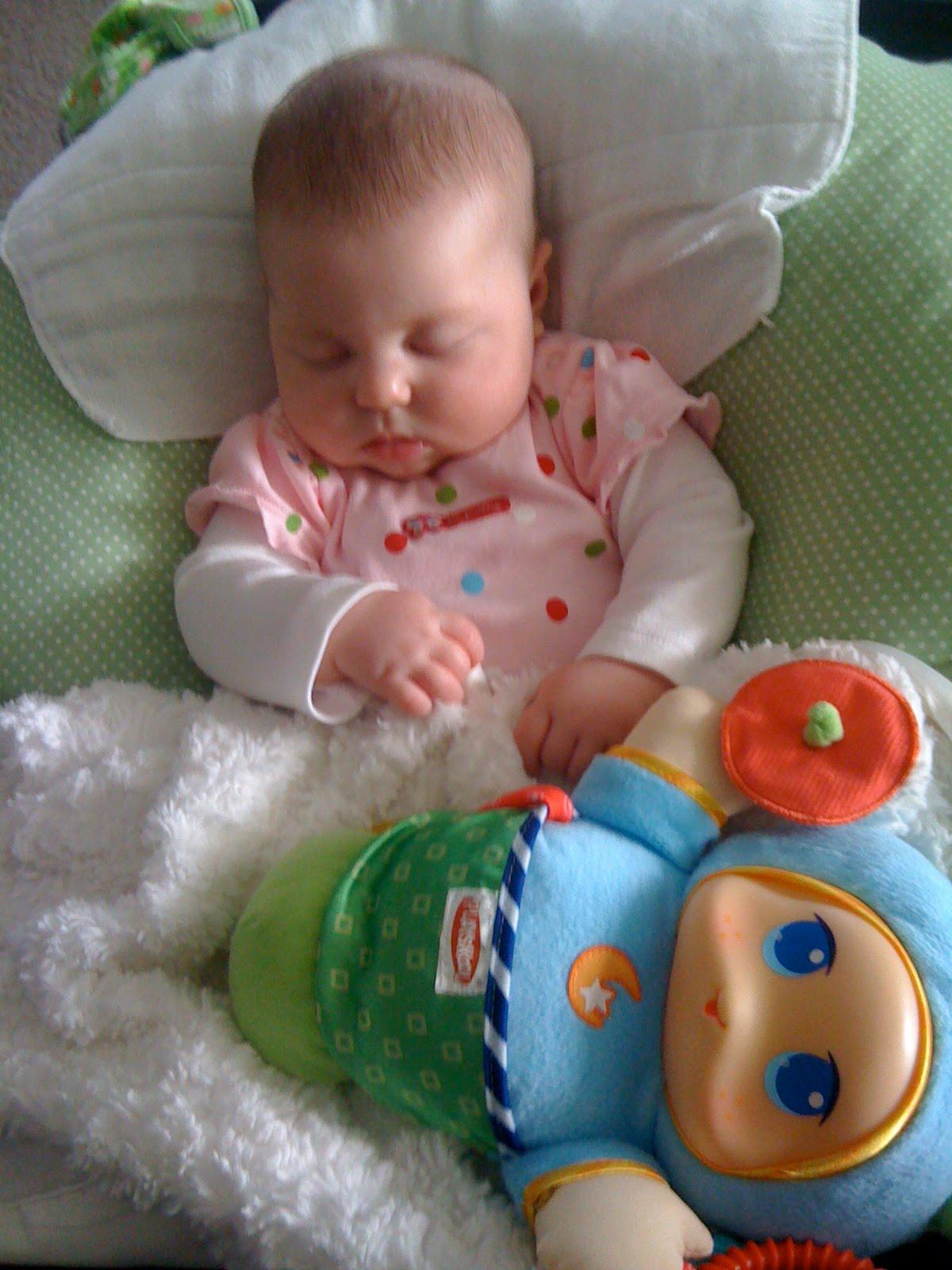 A First Time Mom S Guide Leachco Cuddle U Nursing Pillow