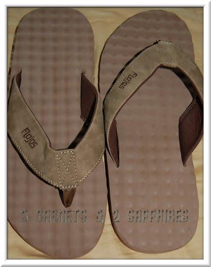 a52b748f8a40fb 3 Garnets   2 Sapphires  Review  Flojos Flip-Flop Sandals for Men
