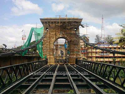 punalur hanging bridge,tooku paalam,only south indian hanging bridge,one of two british built Indian hanging bridge,tookupalam of kerala built in 1877,vehicular hanging bridge of kerala india