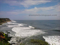 rough arabian sea photos from varkala mountain cliffs,view of Arabian sea from Varkala cliff hotels and resorts