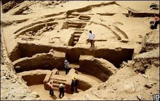 Peruvian Archaeology : A Critical History