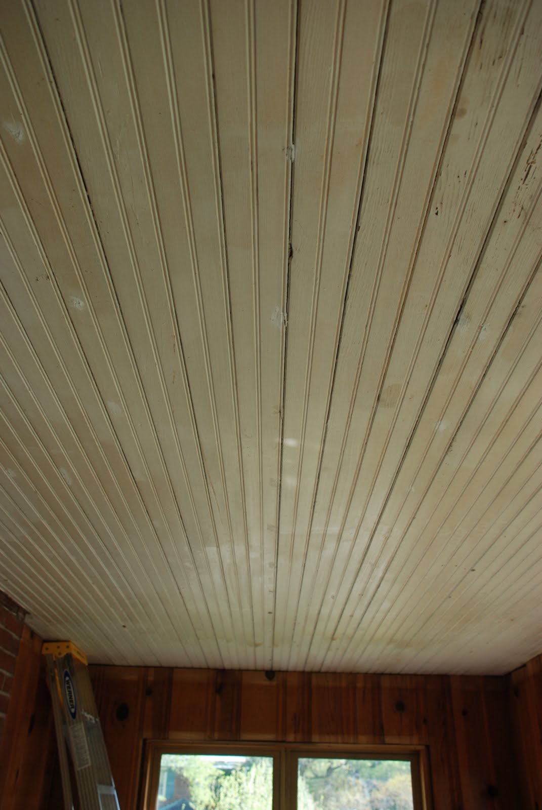 Beadboard Tray Ceiling