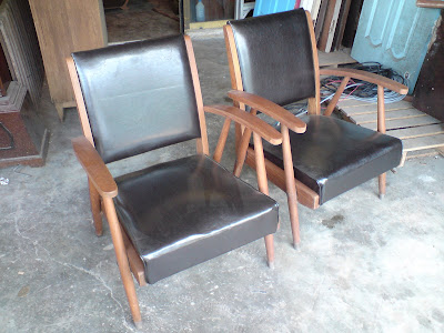 Kerusi Ruang Tamu