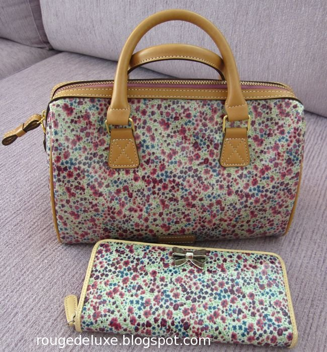 6fe113133 ... decide between this pink paisley print and the purple flower print, and  eventually decided to get the latter to match the Samantha Thavasa wallet  that I ...