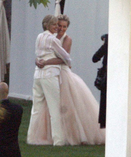 Portia De Rossi Wedding Gown: Brighton Beach: Ellen DeGeneres & Portia De Rossi Wedding