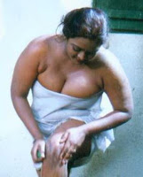 Very sexy and nangi pics of old fat womens