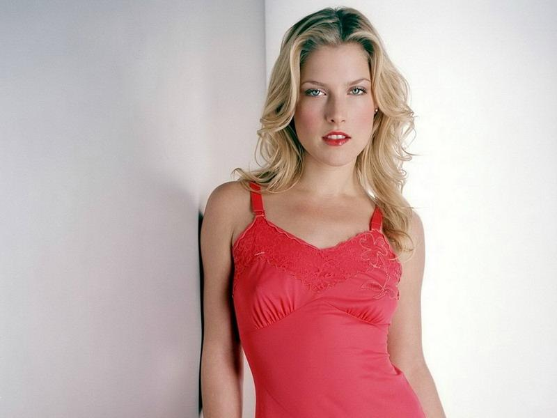 Maryeve Dufault Ali Larter In Sexy Fashion Model Photoshoot-4544