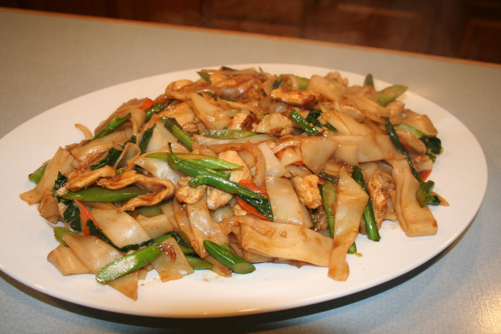 COOK WITH SUSAN: Chicken Chow Fun with Gai Lan (Chinese ...