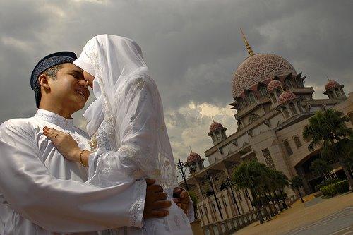 Adakah Islam menzalimi wanita?