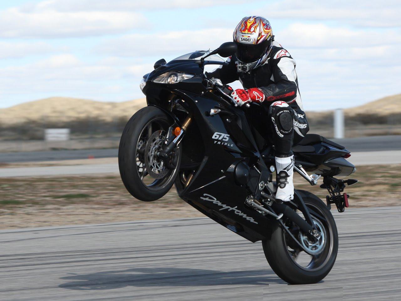 масляные фрагменты фото мотоциклов спортивных в дыбах вашим словам