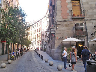 La calle donde las paredes de los edificios se curvaban