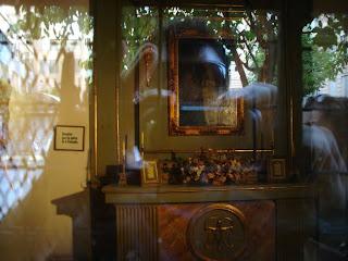 La pequeña capilla de la Calle Fuencarral