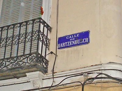 Perdone. ¿La calle Jarzenbús?