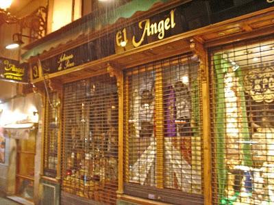 Más de 100 años vendiendo arte sacro en Madrid