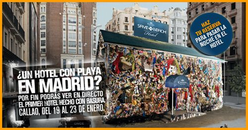 Hotel Coronita Save the Beach en la Plaza de Callao.
