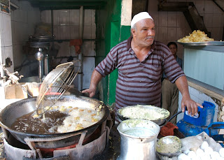 cairo scam -- food scam artist in egypt